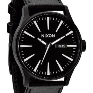 Nixon Men's A105 Sentry 42mm Leather Watch Review