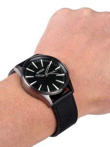 nixon-a105-sentry-wrist-photo