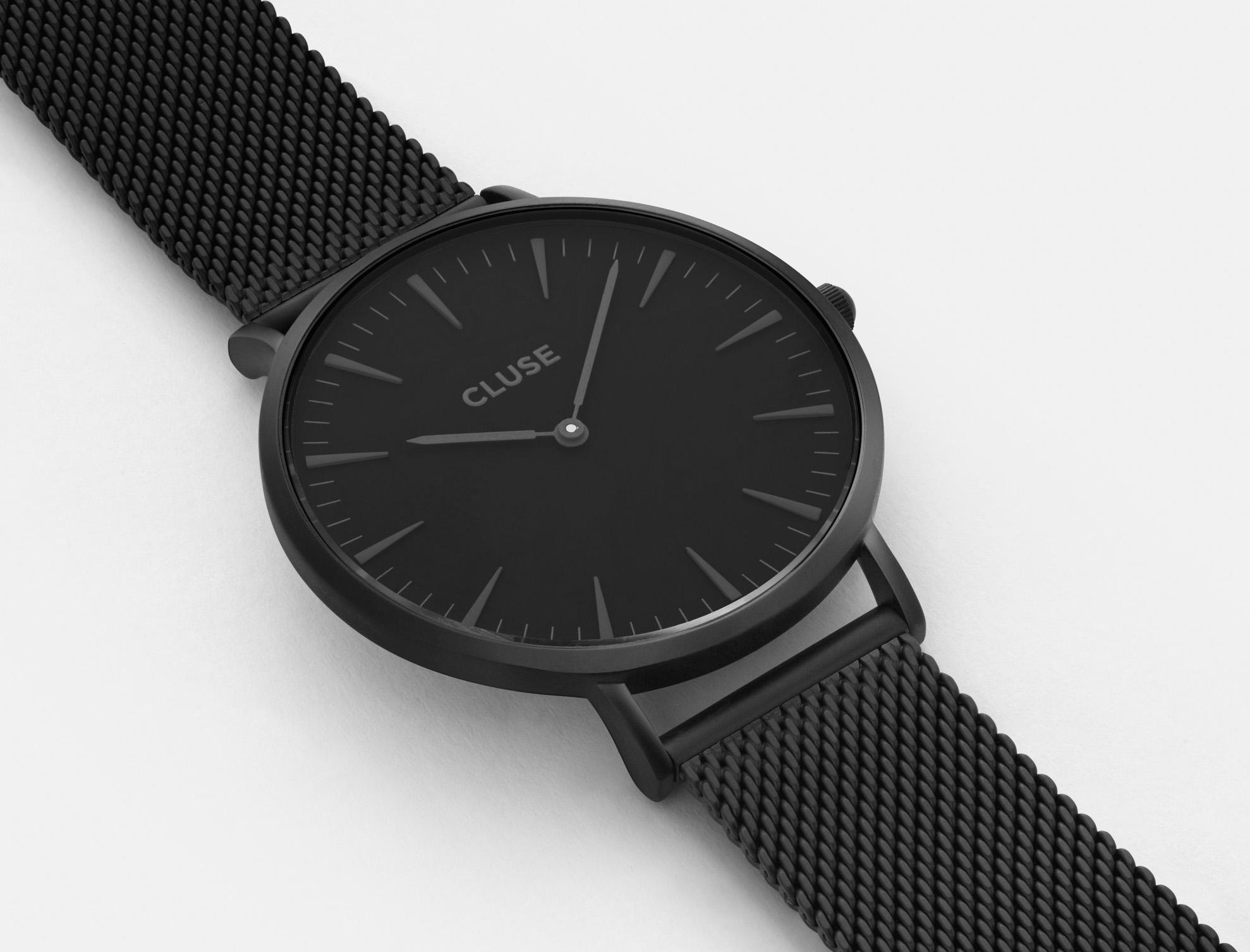 cluse-cl18111-on-wrist