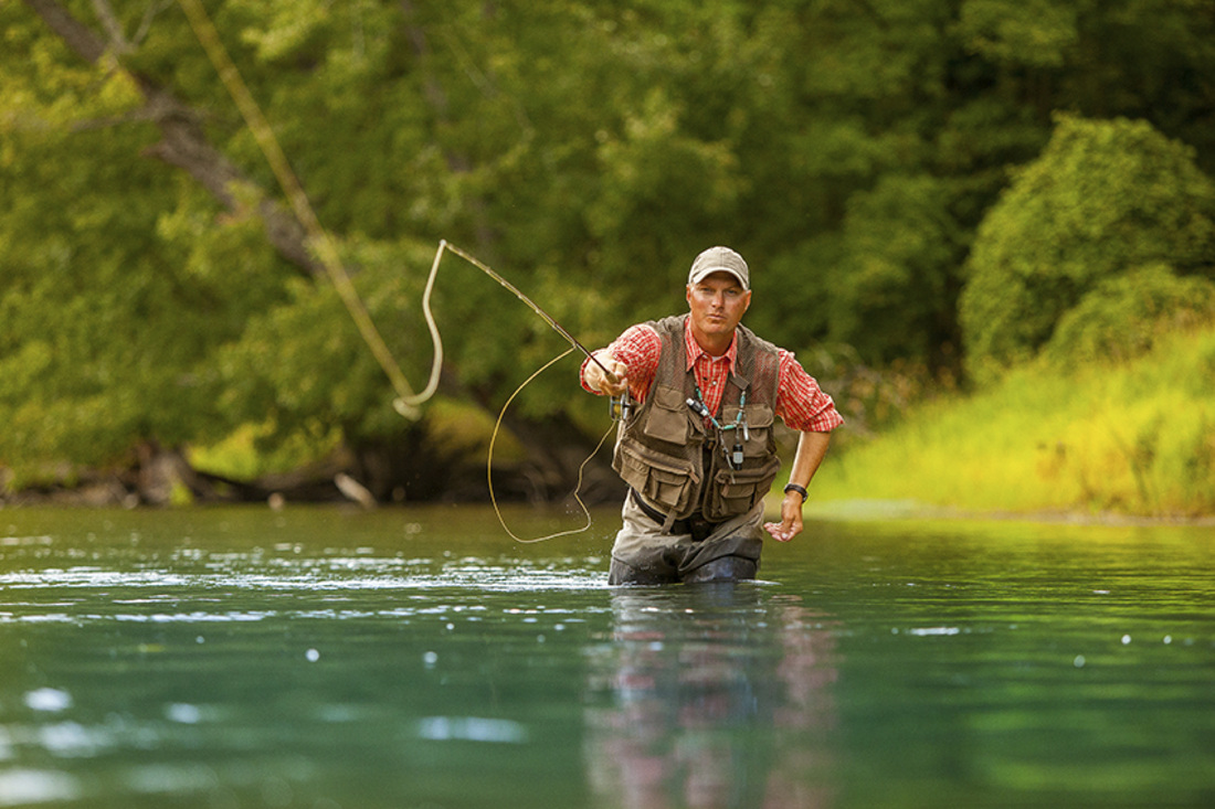 Top 10 best watches for fishing watchreviewblog for Fly fishing michigan