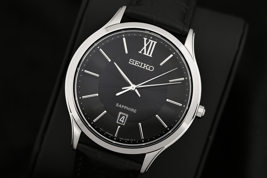 buy date glass watches crystal flat with round window detail product watch sapphire