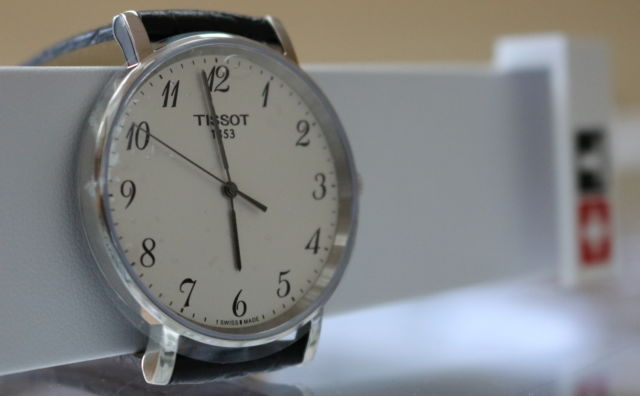 Easy To Read Analog Watches