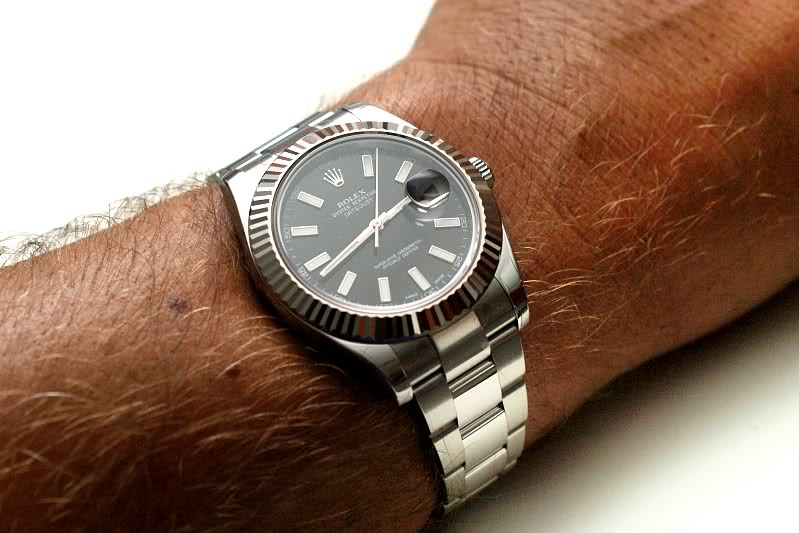 Should My Watch Fit Loose or Tight