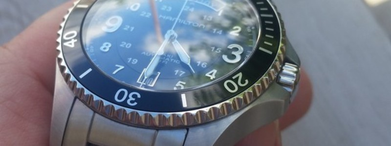 Crown and bezel close up