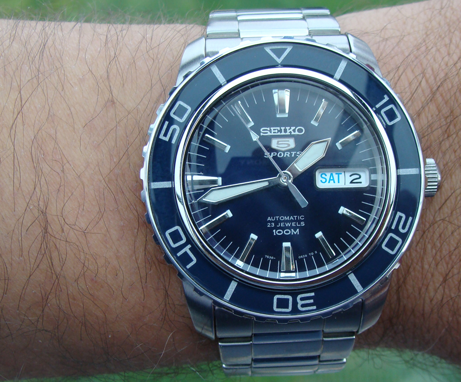 Seiko SNZH53 Seiko 5 Automatic Diver Watch Review ...