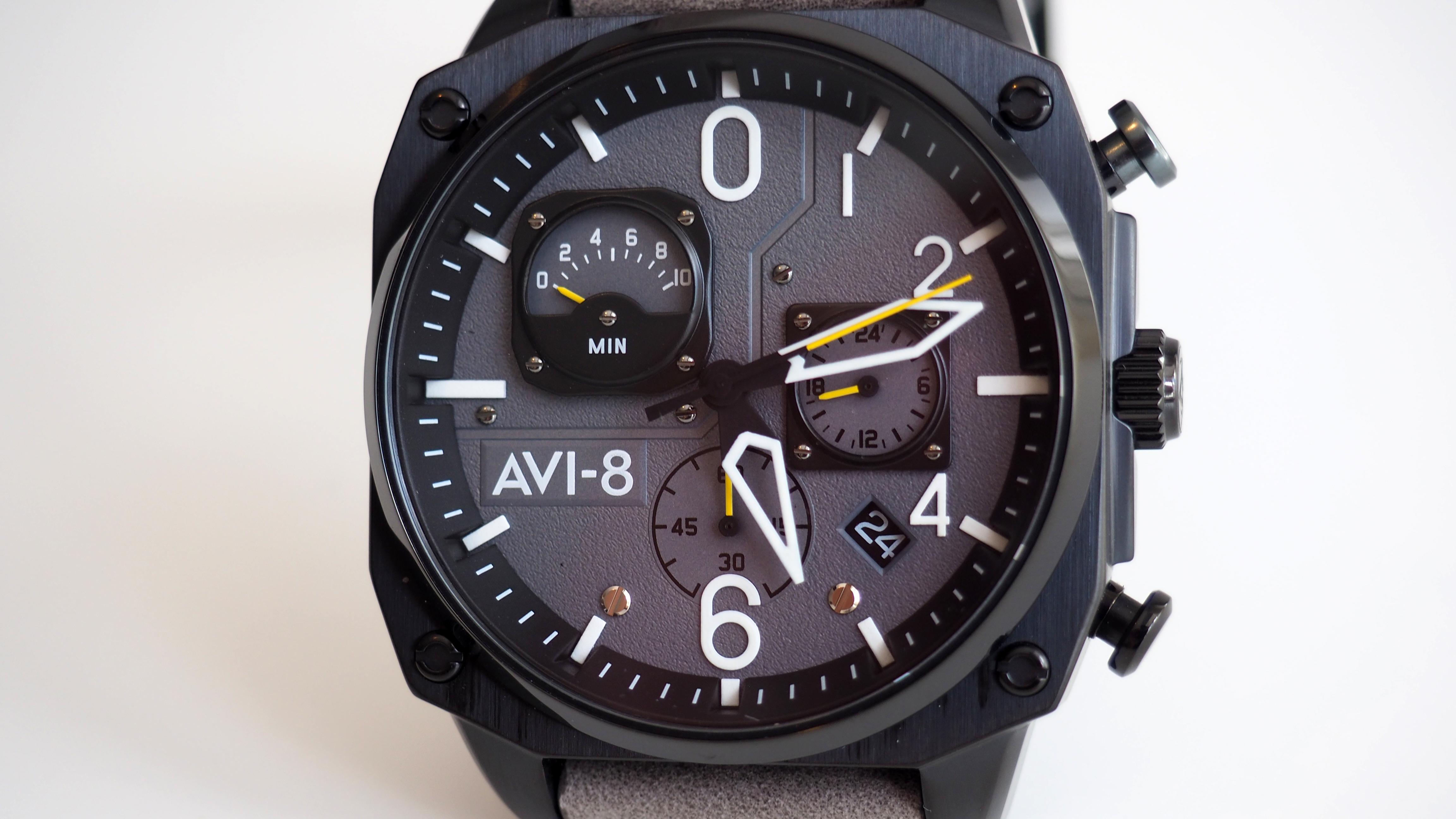 AV-4052 dial close up