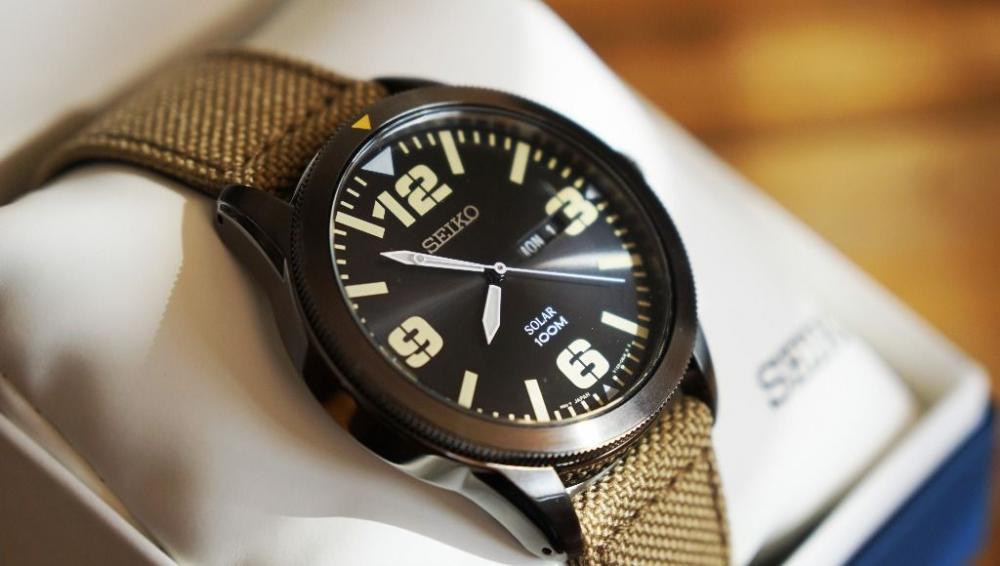 Seiko SNE331 Core Analog Watch Review