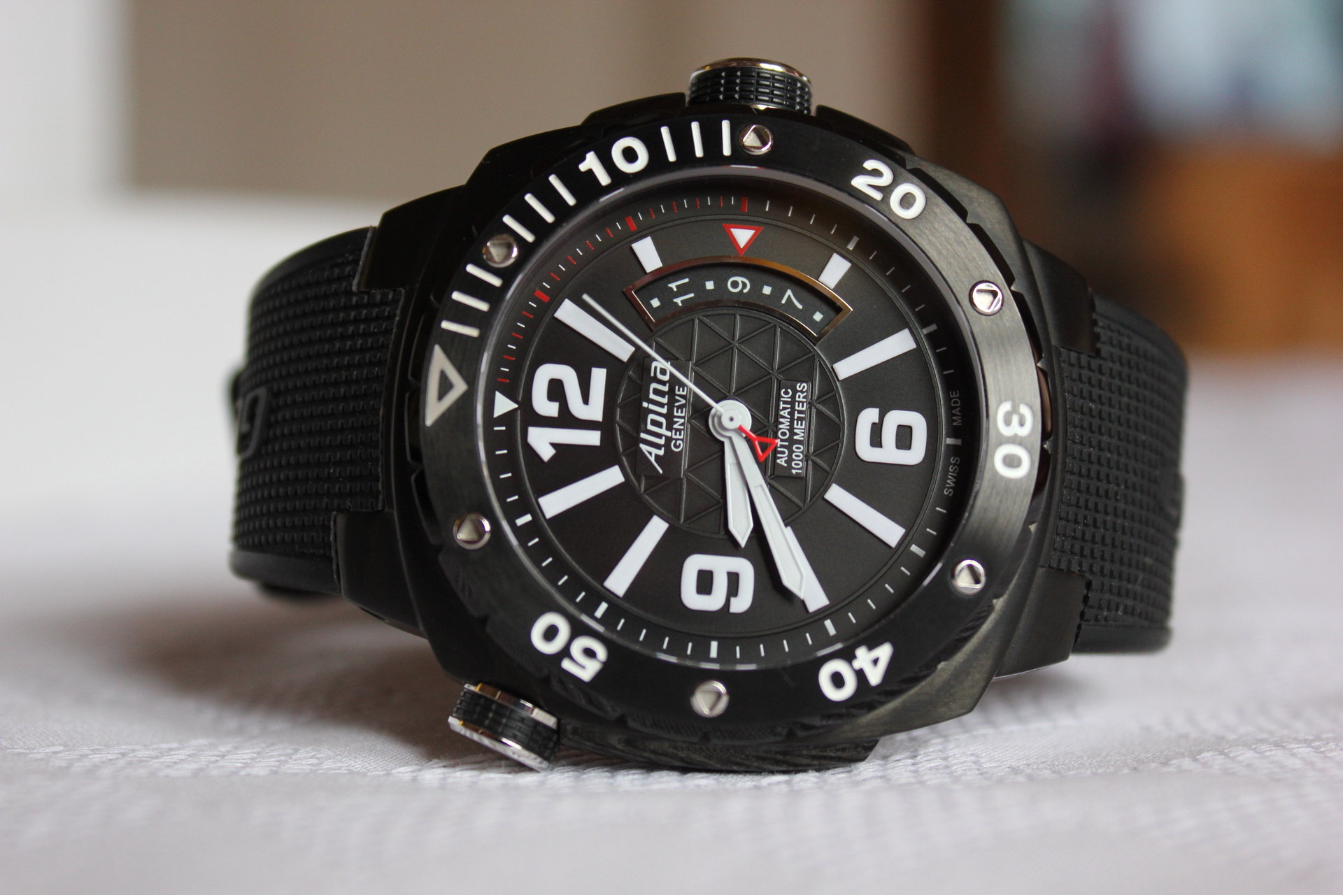 Alpina Extreme Diver 1000 Watch Review - WatchReviewBlog