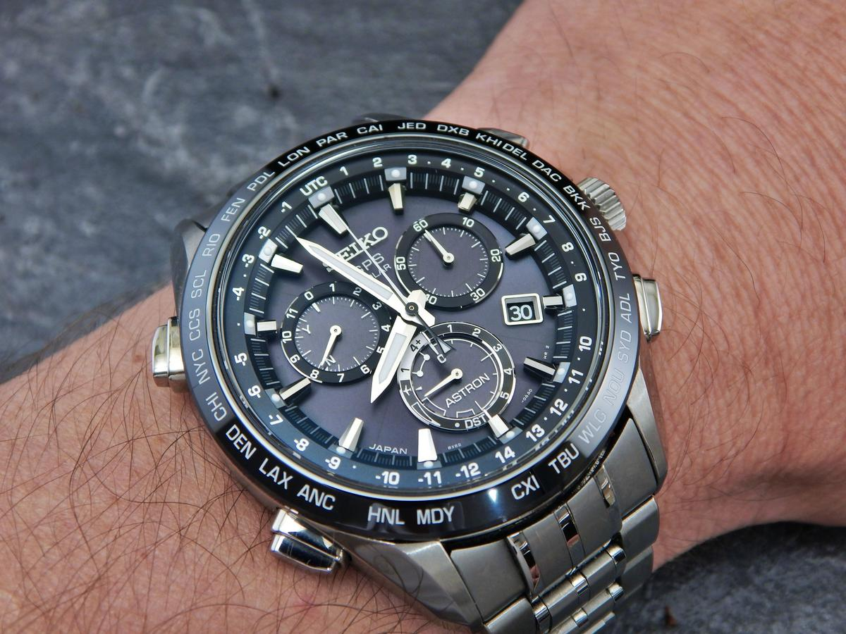 Astron SSE055 on the wrist