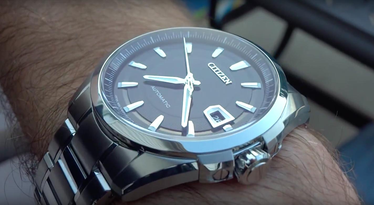 NB0040-58E on the wrist