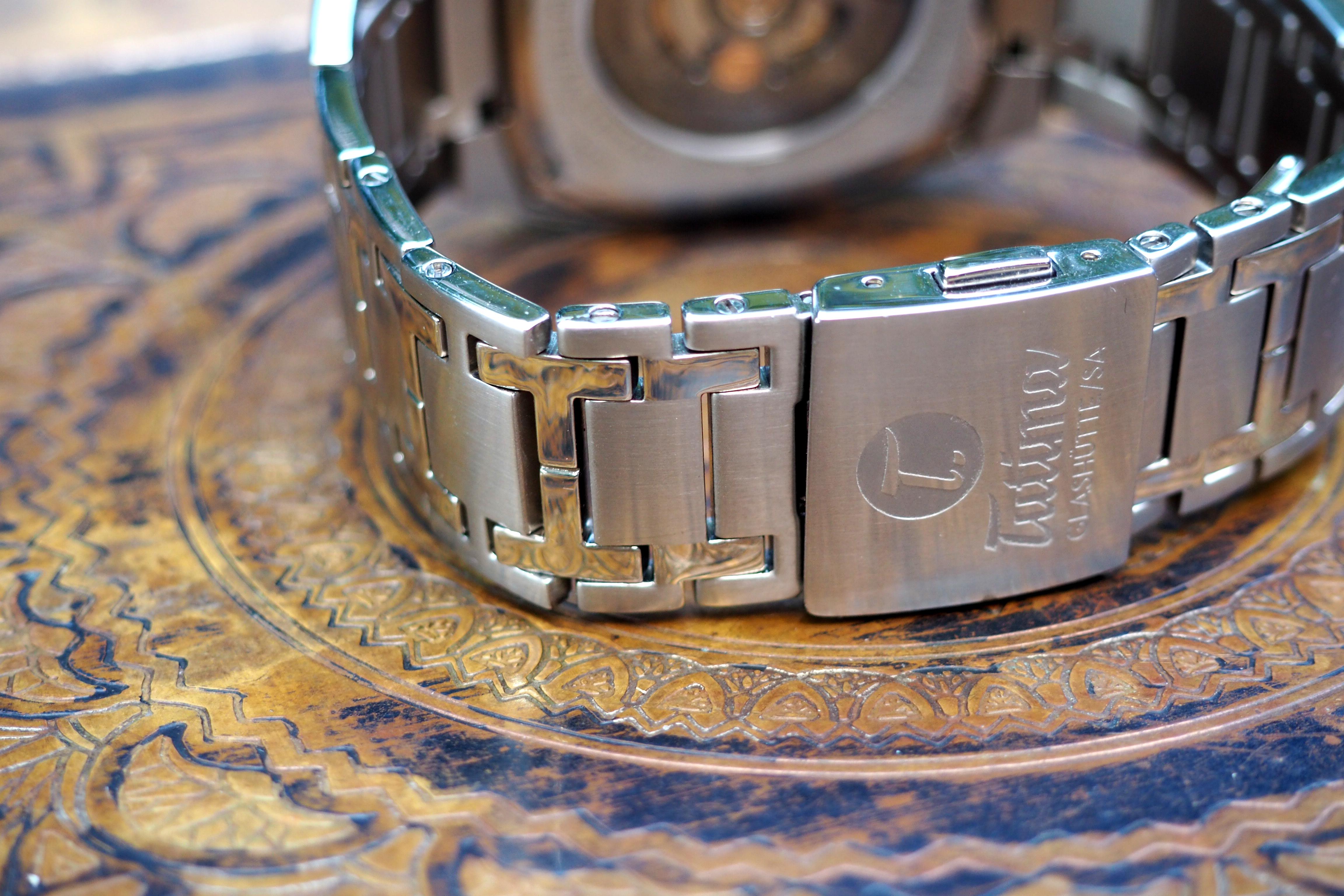 bracelet, clasp & logo