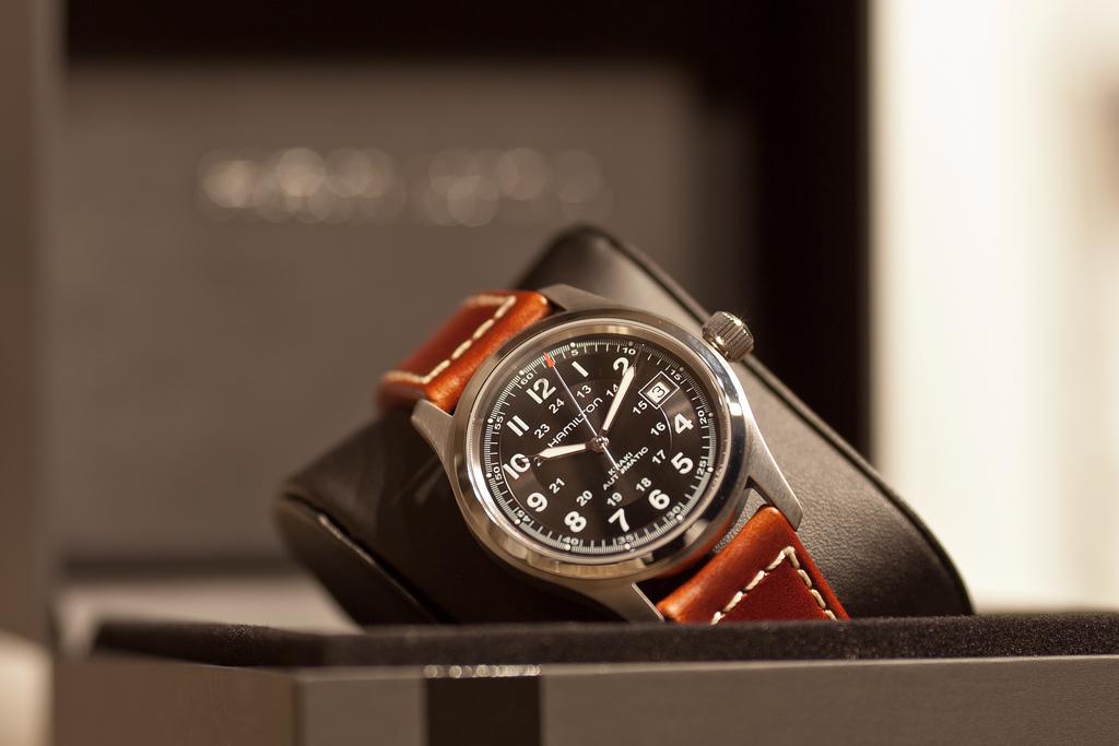 Hamilton HML-H70455533 Khaki Field Watch Review