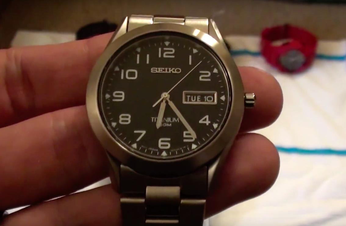 Kết quả hình ảnh cho Seiko Men's SGG711 Titanium Watch