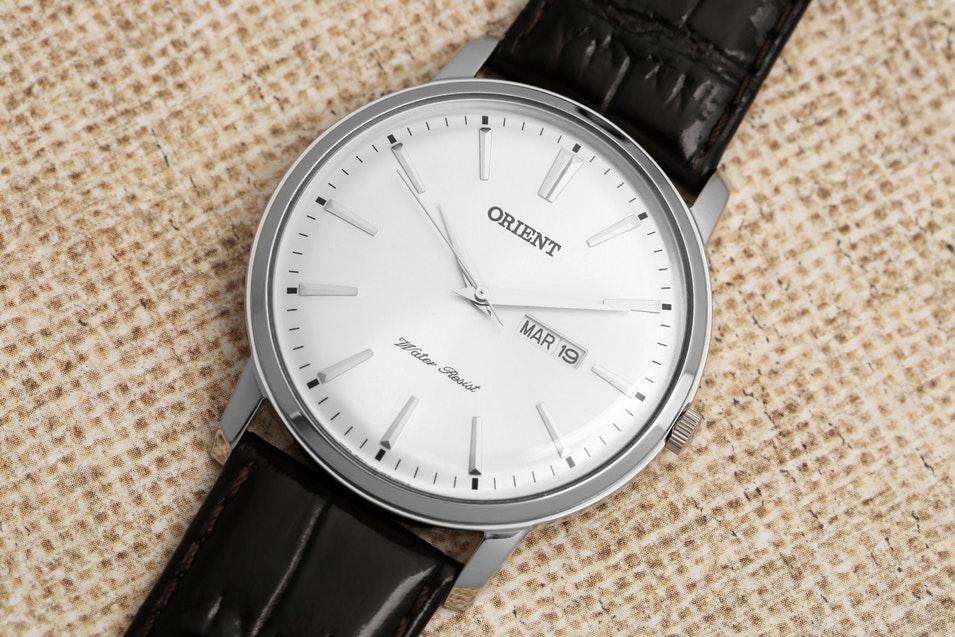 Orient UG1R003W Capital Dress Watch Review