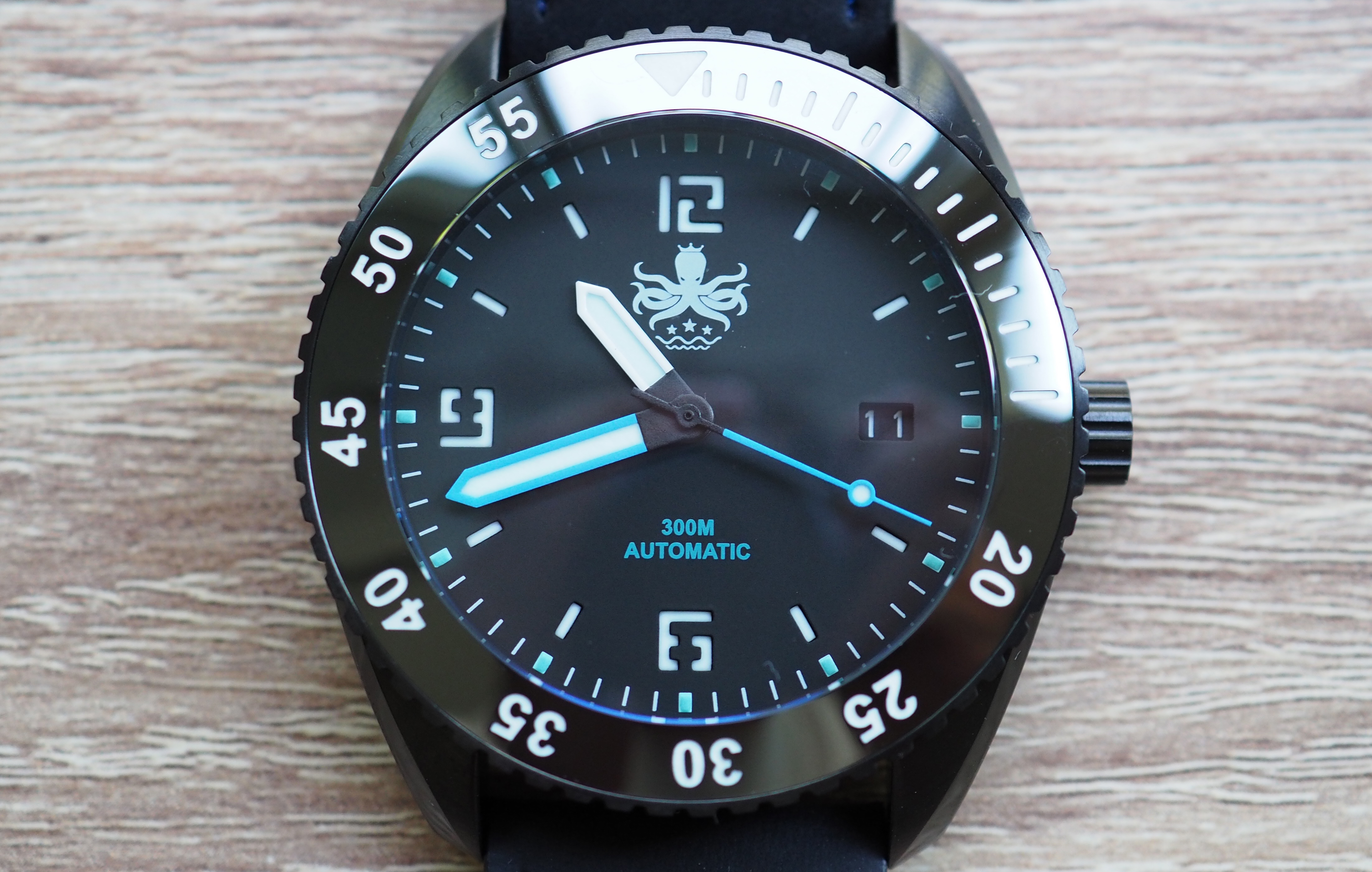 4618d1ab4a2 Phoibos Reef Master PY015B DLC Watch Review - WatchReviewBlog