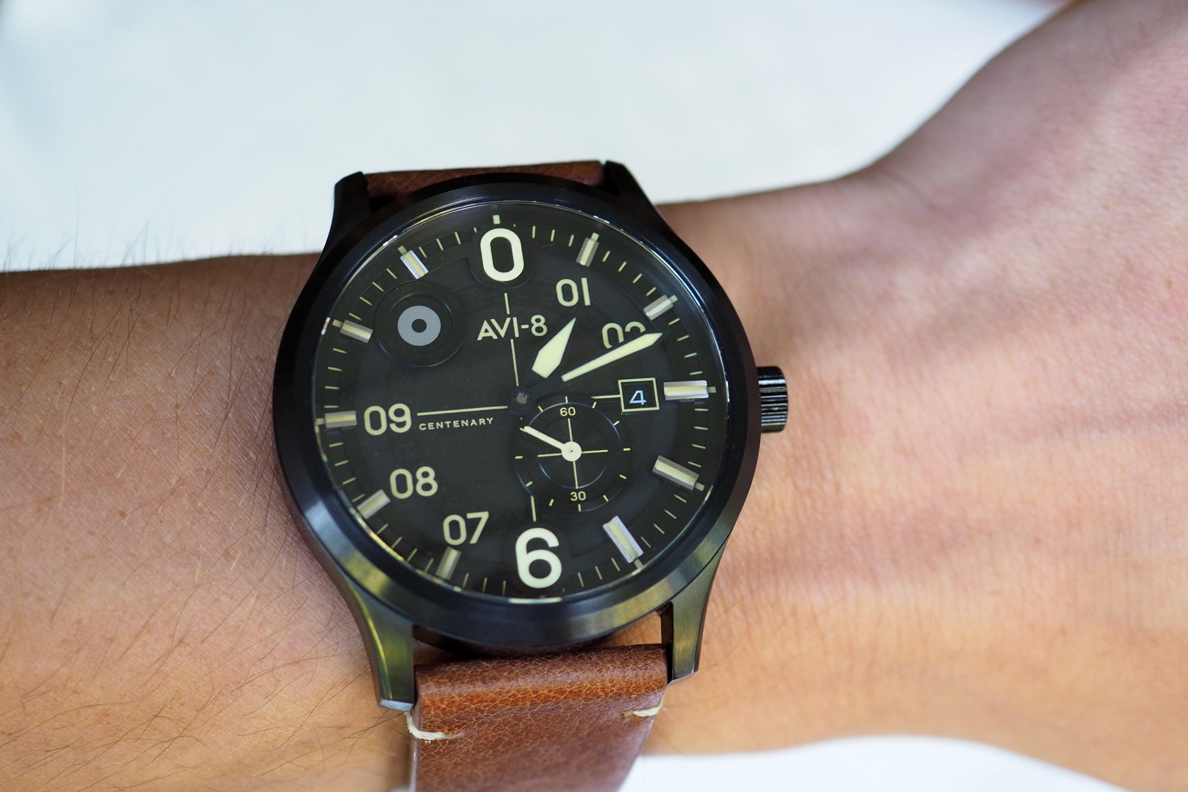 AV-4060-03 wrist shot