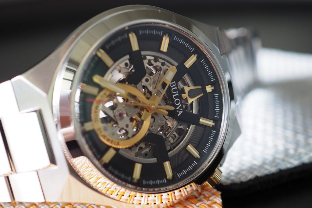 watch on side dial