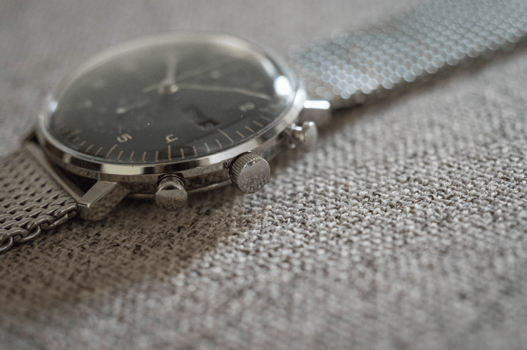Case crown and pushers of the Chronoscope