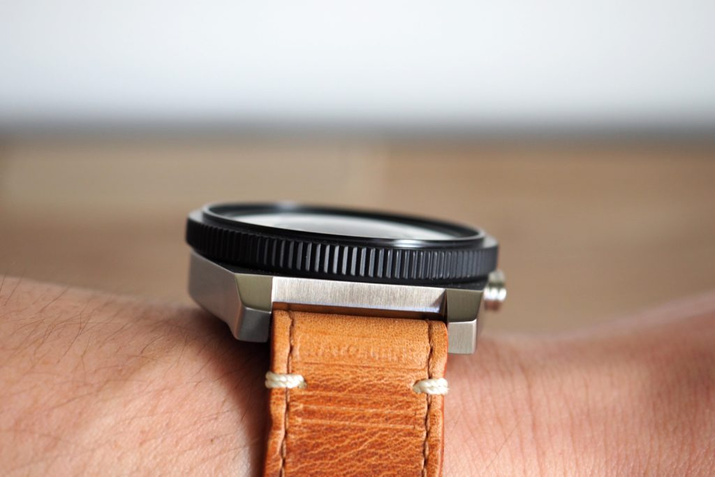 Slim profile view on wrist