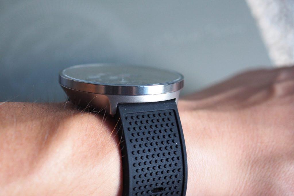 Slim photo on wrist