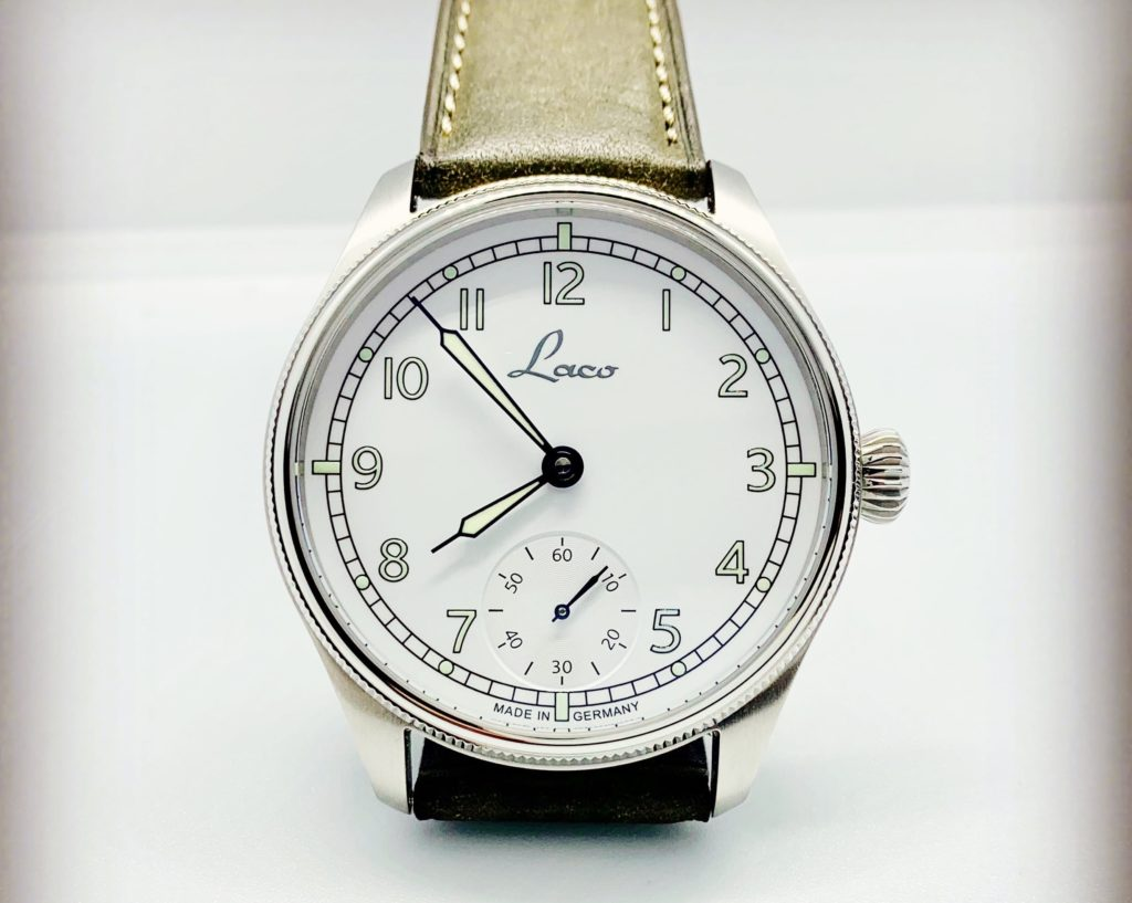 Clear photo of the dial