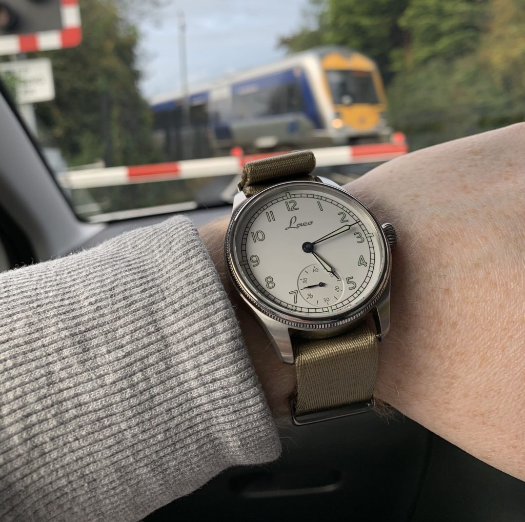Cuxhaven wrist shot while driving
