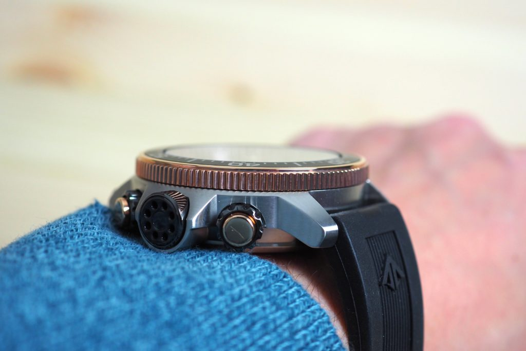 Slim profile wrist shot