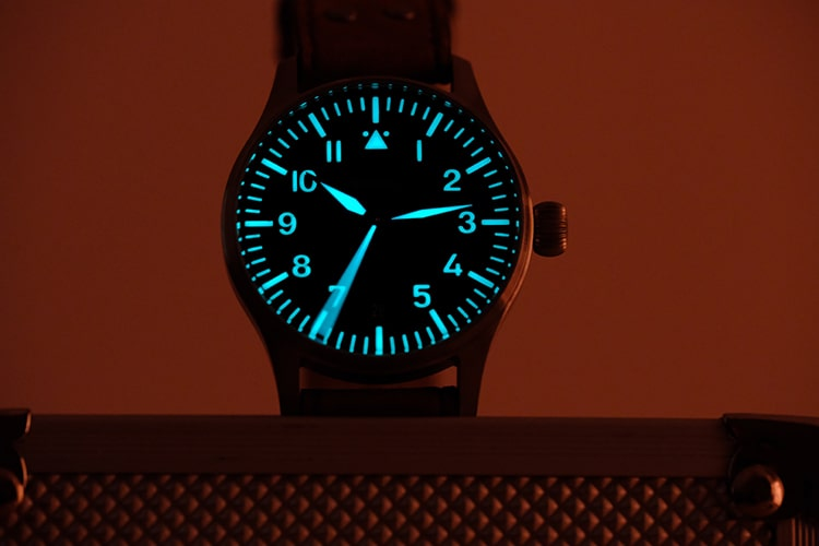 Bright lume on dial
