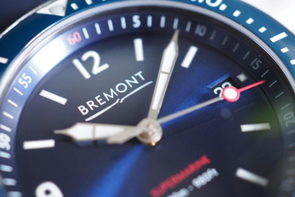 Macro logo Bremont se bouchent