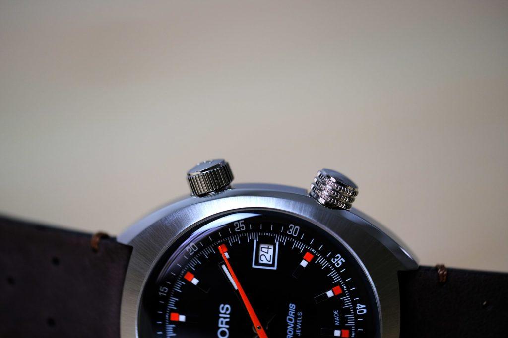 Macro closeup of compressor crowns