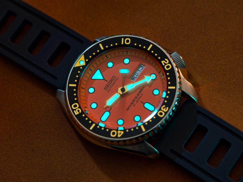 Seiko SKX011 orange dial with lume