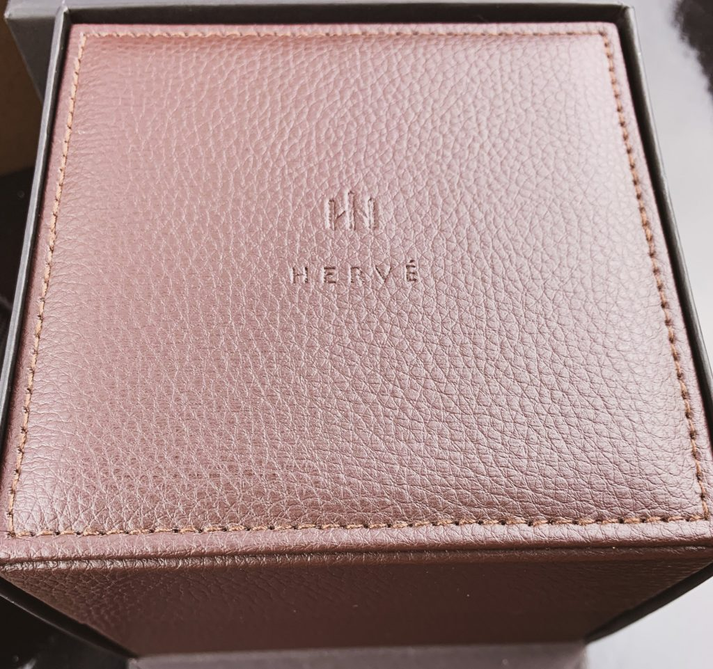 Alvia arrives in a Longines style box presentation