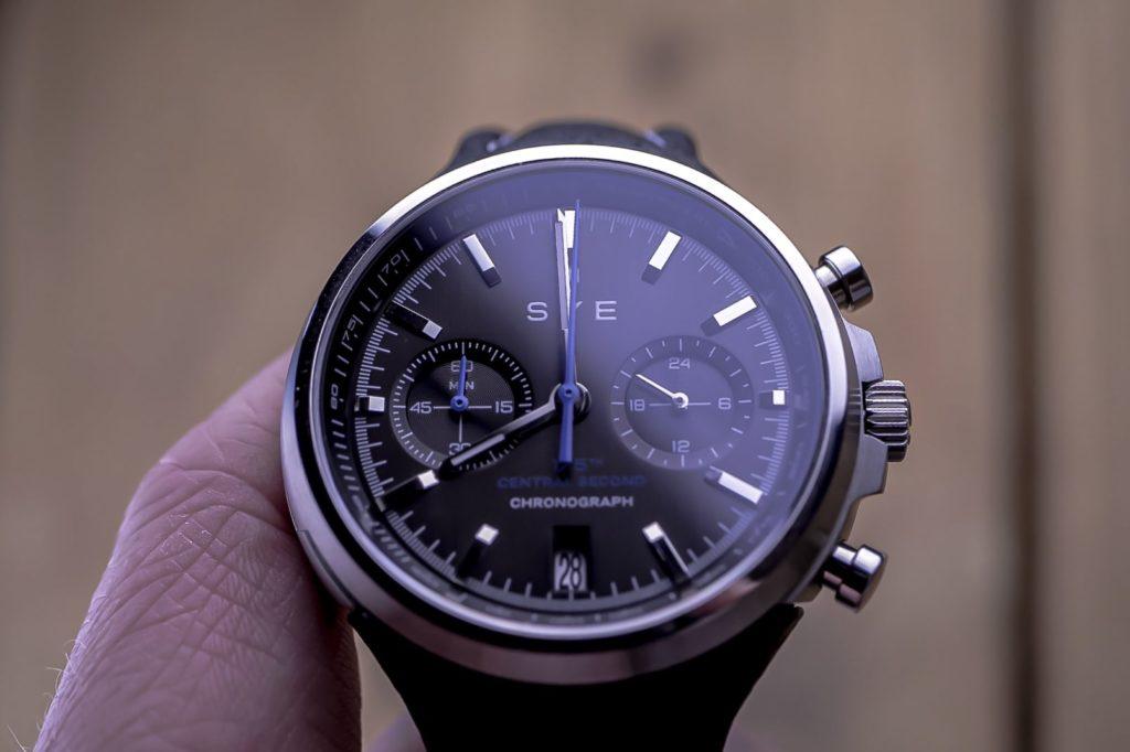 Mot1on dial in hand