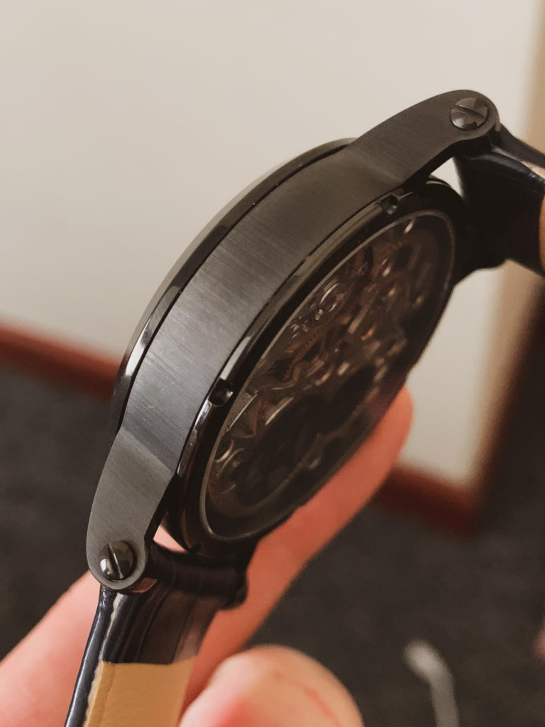 Watch case from the side