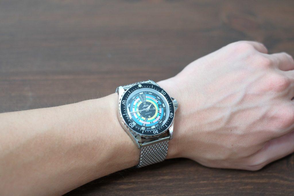 Decompression timer on wrist