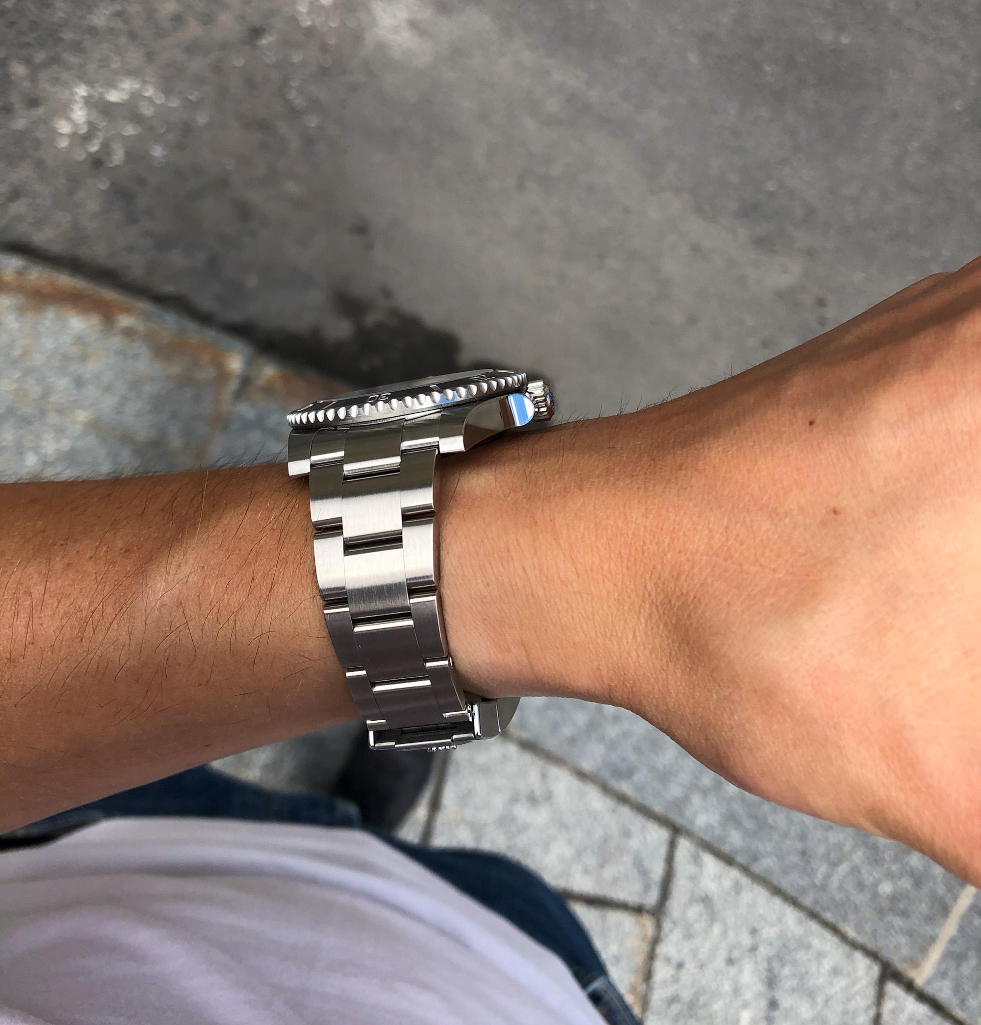 Rolex Hollow End Links vs Solid Link Bracelets