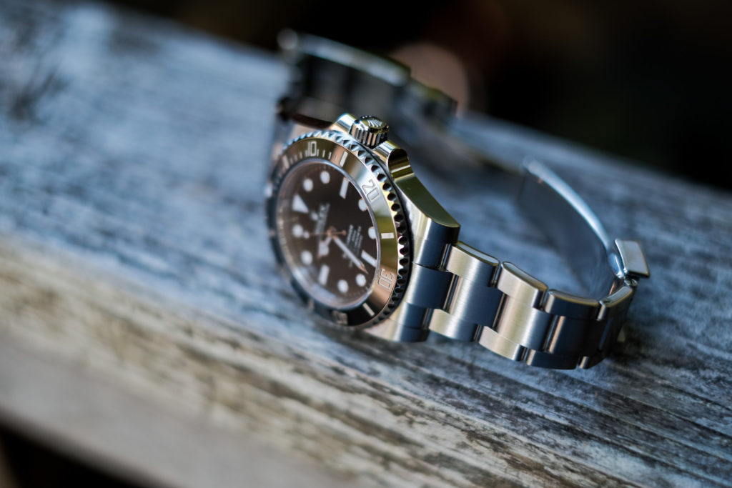 Photo of the lugs and bezel