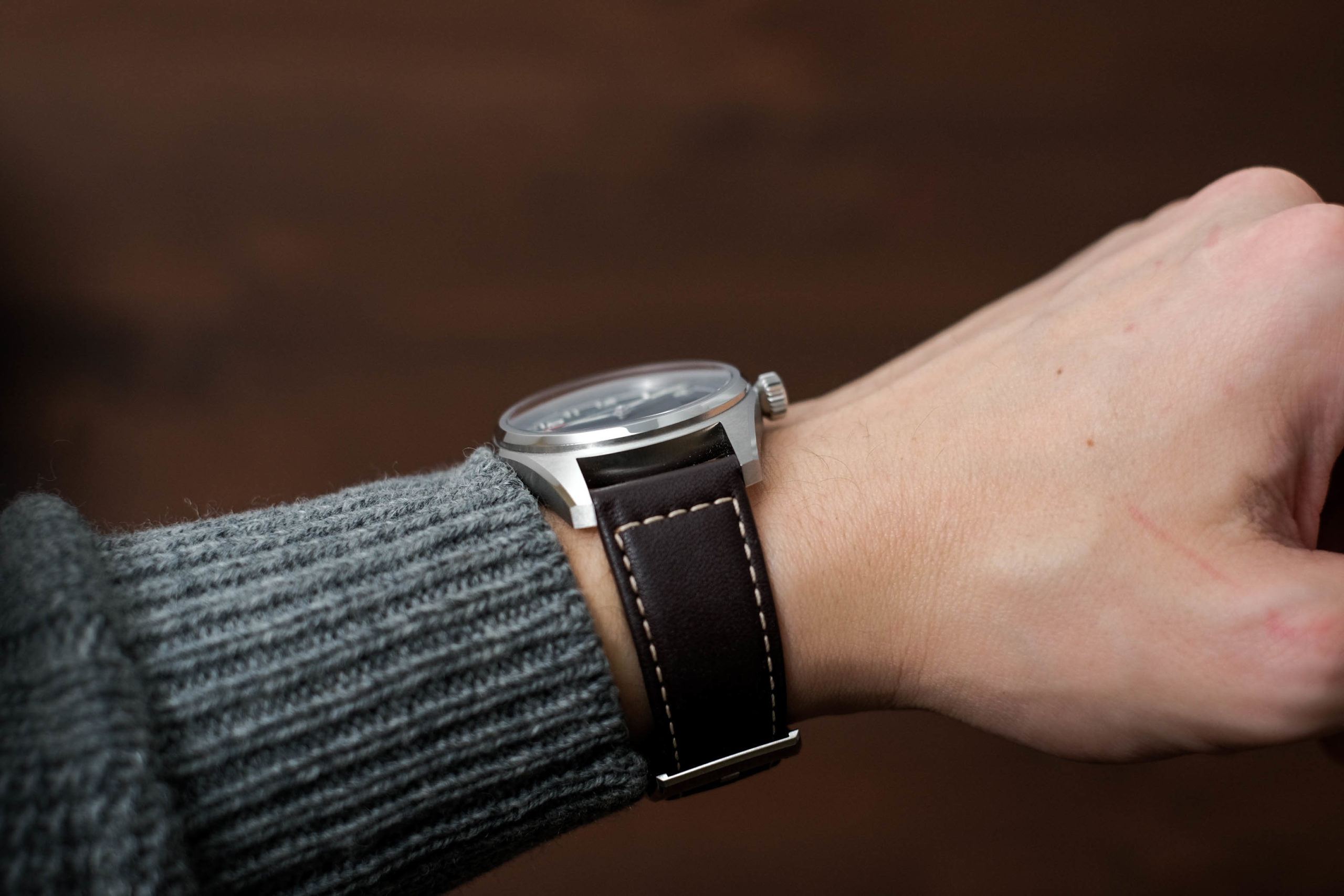 Photo of watch on the wrist from side