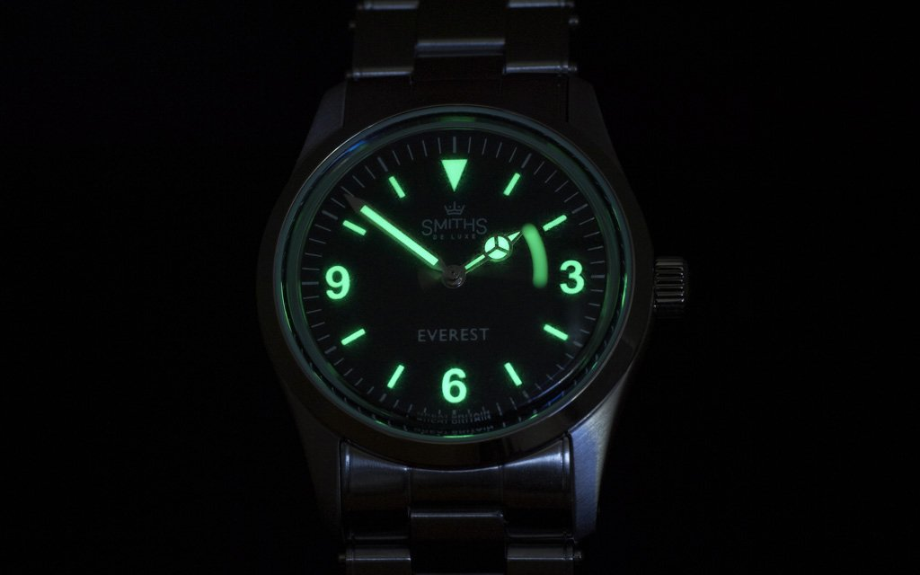 Green lume on dial